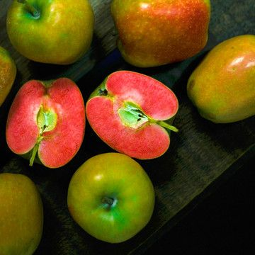 Mountain Rose Apples are a heritage breed indigenous to Washington State and very rare. These are firm apples with a sweet, delicious flavor. They are a unique wow factor type of gift that is sure to impress any food enthusiast.