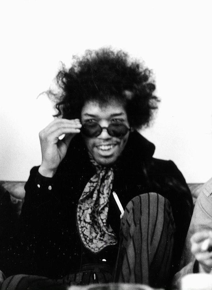 Jimi Hendrix photographed by Linda McCartney 1968