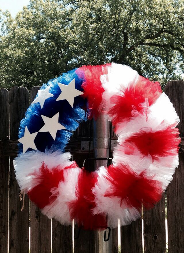 Just made this 4th of July tulle door wreath!