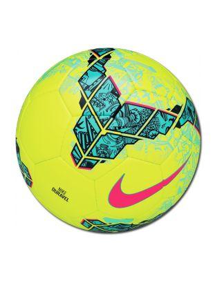 Balón #Nike #duravel, es un complemento perfecto para jugar al fútbol en terrenos de césped artificial, un balón con costuras bien prietas y rematadas que te garantiza una gran durabilidad.