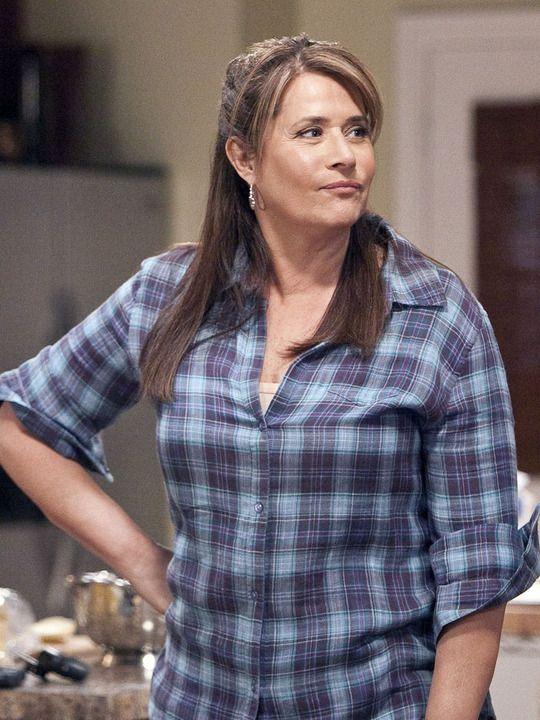 Rizzoli & Isles (TV show) Lorraine Bracco as Angela Rizzoli