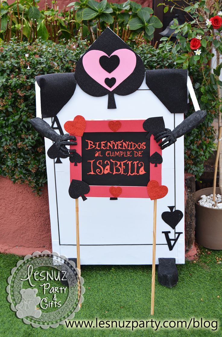 Soldado de la Reina de Corazones Alicia en el País de las Maravillas - Hearts Queen Guard Alice in Wonderland
