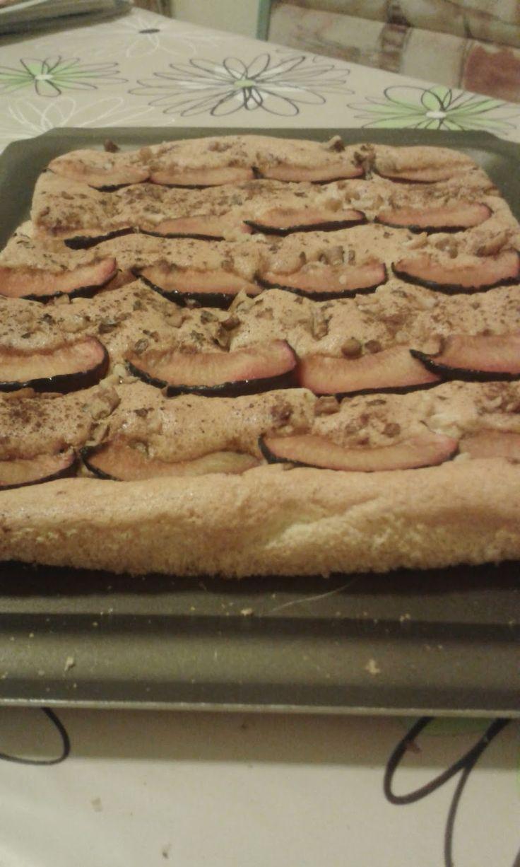 Szilvás-diós piskóta alakbarát verzióban Plum-walnut pie http://ecofaires.blogspot.hu/