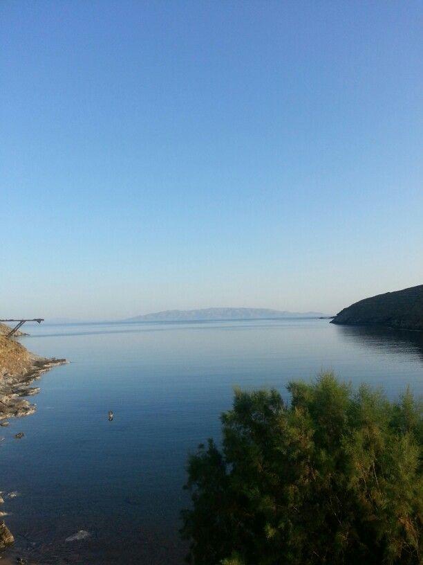 leukes kythnos island greece