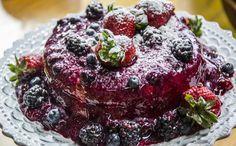 'Angel Cake', o 'bolo dos Anjos'. Receita com muitas frutas vermelhas – morango, framboesa e mirtillo.