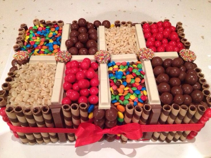 Candy cake - torta con golosinas on Pinterest | Candy Cakes, Pocky ...