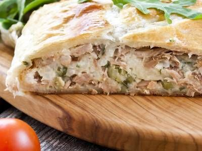 This tuna pie is just right for your dinner table. The puff pastry is put to great use in this recipe and it is simple to prepare and even easier to enjoy.