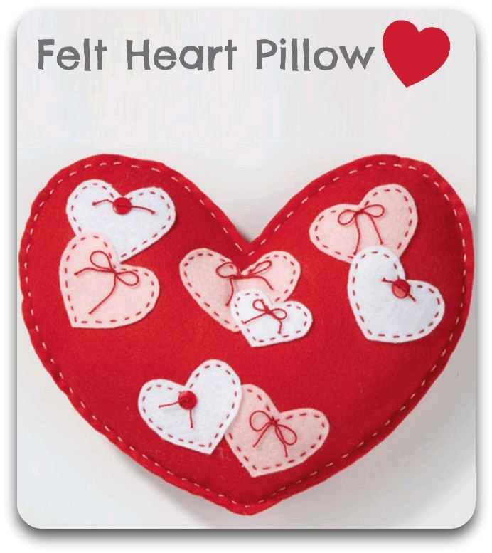 Send some love with this cute #heart #pillow -- made of #felt! #Sewing #Valentine
