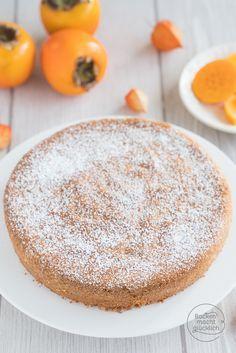 Toller Kuchen aus nur 3 Zutaten! Dieser mallorquinische Mandelkuchen ohne Mehl besteht nur aus Mandeln, Zucker und Eiern. Wird supersaftig und locker! | http://www.backenmachtgluecklich.de