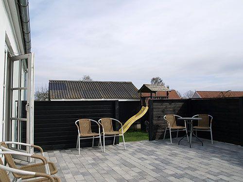 Fritids hus til salg på Samsø med nylagt hyggelig terrasse