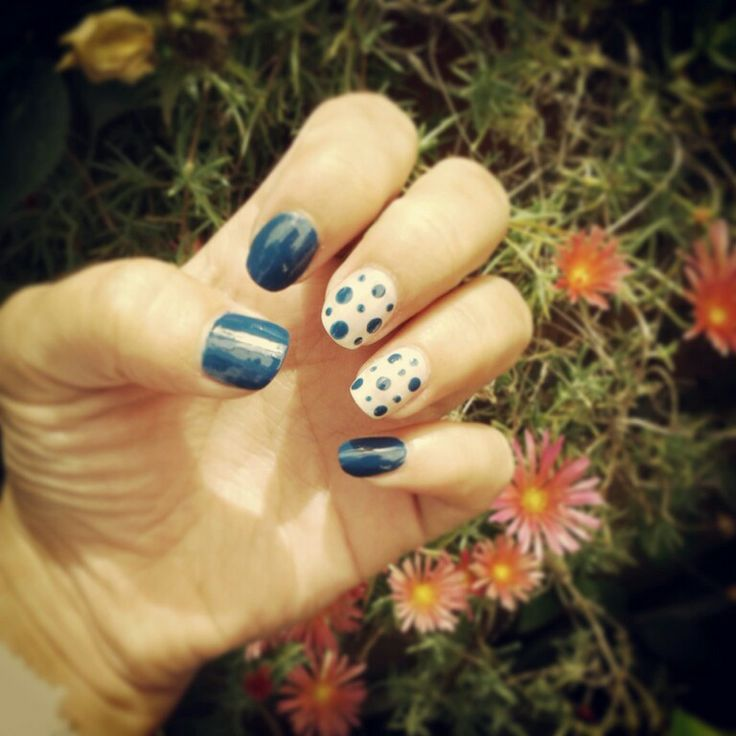Lunares Azules