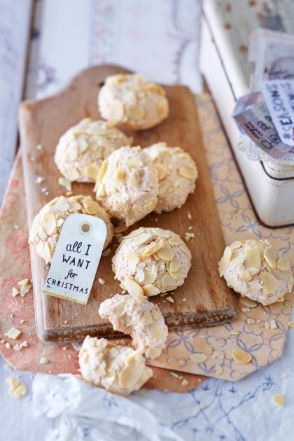 Rezept: Zimt-Mandelberge. Luftige Kekse mit Zimt und Mandeln.