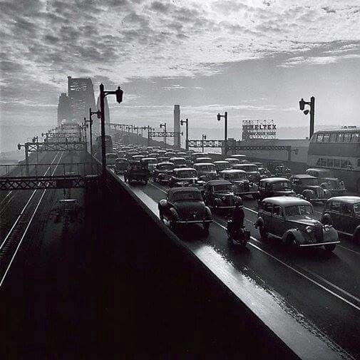 Peak hour on the Sydney Harbour Bridge in 1947.  Photographer: David Moore.