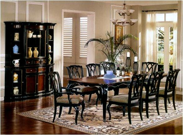 Colonial Inspired Dining Room Decor