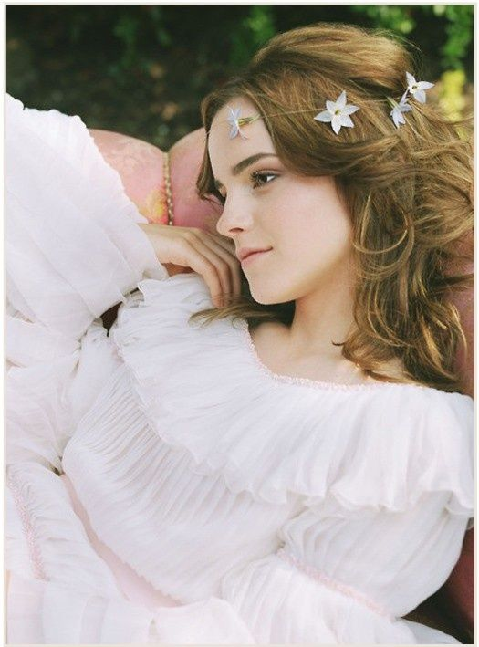 実写版「美女と野獣」のベル役に決定!エマ・ワトソンのドレス姿がまぶしい*にて紹介している画像