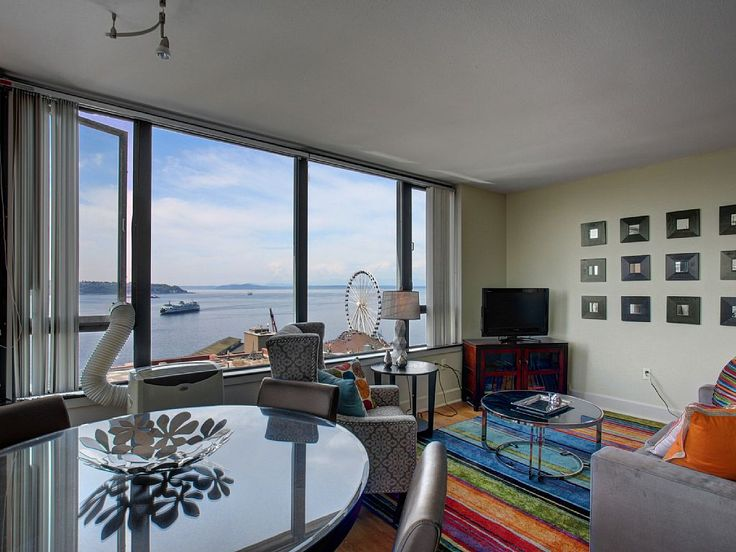 Seattle Accommodation - Breathtaking sound view meets ideal downtown... - VRBO