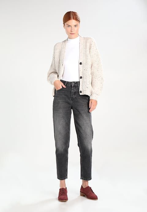 Kleding Selected Femme SFFRIDA HIGH RISE MOM FADE - Relaxed fit jeans - black denim Zwart denim/blackdenim: € 69,95 Bij Zalando (op 17-9-17). Gratis bezorging & retour, snelle levering en veilig betalen!