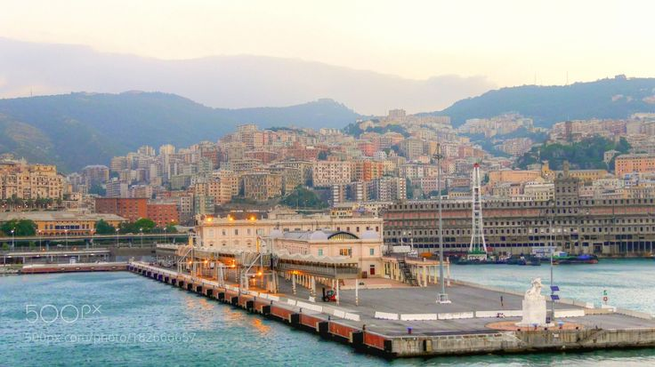 http://500px.com/photo/182666657 Genua Hafen by mr53160 -. Tags: HafenItalienGenua