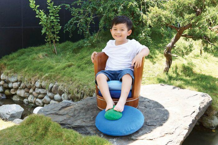 Spring Water Chair by Lin Nien-An at Coroflot.com