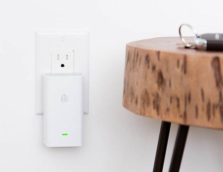 Recognized for Home Innovation in 2018 by CES, Aura is an easy-to-use home monitoring system that uses smart motion detectors to keep track of all the comings and goings at home. Each monitor can cover up to 700 square-feet allowing you to install them in all the rooms you want, totally tool-free. Aura offers functions to recognize pets, turn on lights, and notifies you of everything happening at home.