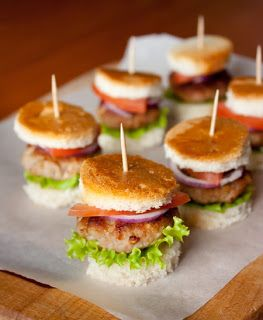 Самые вкусные рецепты: Мини-гамбургеры