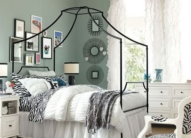 Bedroom: Ideas Beautiful Teenage Girls Bedroom Designs Modern With Animal Printed Accessories Wire Graphic Mirrors Gallery Frames, proof of great taste, texture patterns ~ Imactoy.com