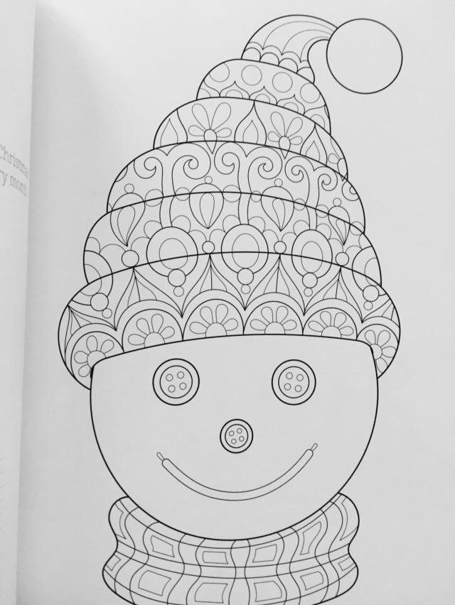 christmas coloring book coloring is fun thaneeya mcardle 9781497200807 amazon