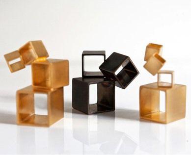 Erato Kouloubi – Geometric & Architectural Jewelry. -