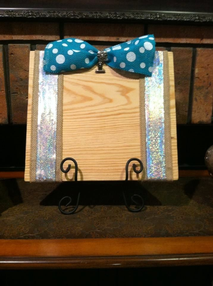 Cottage Chic Picture Frame - Rustic Picture Frame - Picture Holder with Stand - Cottage Chic Frame - Pine Picture Frame - Shabby Chic