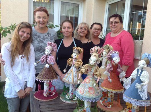 Panenky, které jsme tvořili pod vedením lektorky Annadan Мастер-курс в Праге.