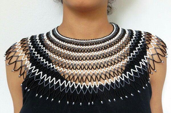 Collier en perles traditionnel de mariage Sud Africain Zoulou - Noir/blanc/gris foncé