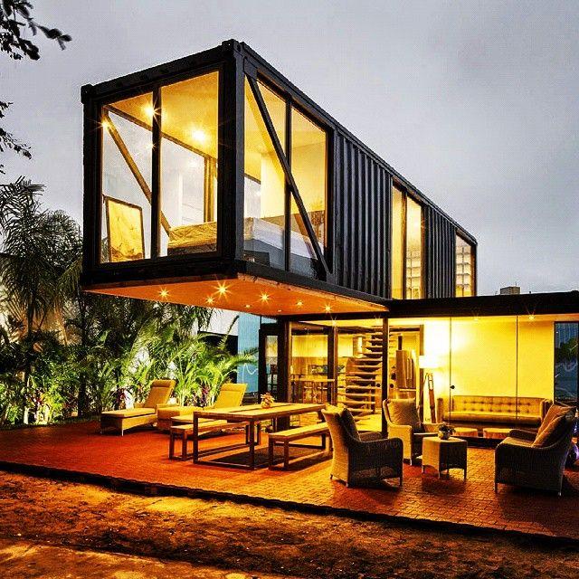 Shipping container house |  #eco #sustainable #greenarchitecture #arquitetura #arquiteturamodular #arquitectura #archilovers #archilovers #engenharia #designindustrial #designdeinteriores #interiores #design