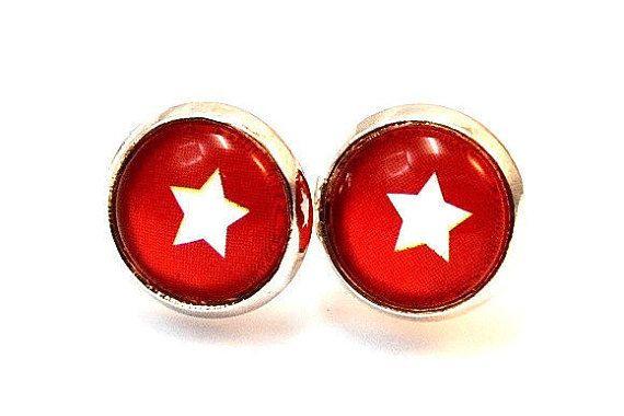 Ohrstecker silber weißer Stern auf rot Glascabochon-Ohrstecker