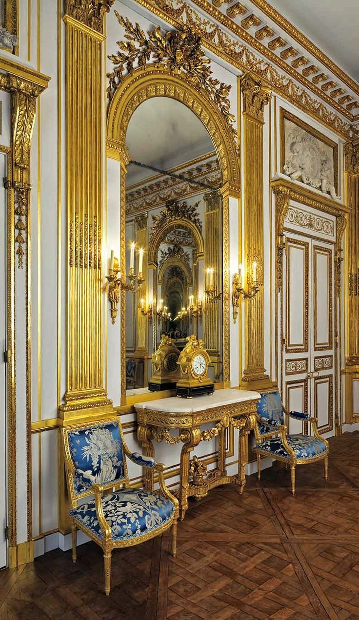 The Salon Doré, originally from a Paris mansion, at the Legion of Honour Museum in San Francisco. Louis XVI.