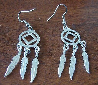 Prata esterlina Narcóticos Anônimos... vai Com Símbolo Dream Weaver Feather Brincos 614