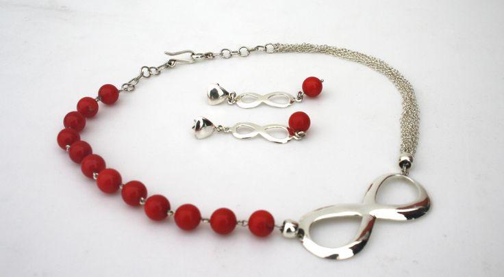 Juego de collar con cadenas de plata y dije infinito mas aretes con acabado liso brillante