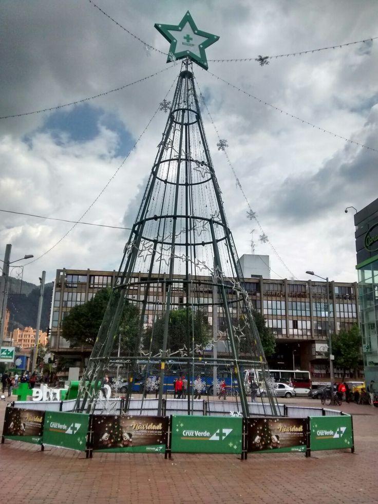 Decoración Navideña en la Plazoleta de la carrera 15 con calle 85, en Bogotá.