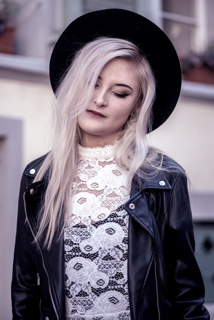 Faye | A portrait of my friend and blogger Faye wearing Spell Designs Rosamond Dress | Moonlight Bohemian