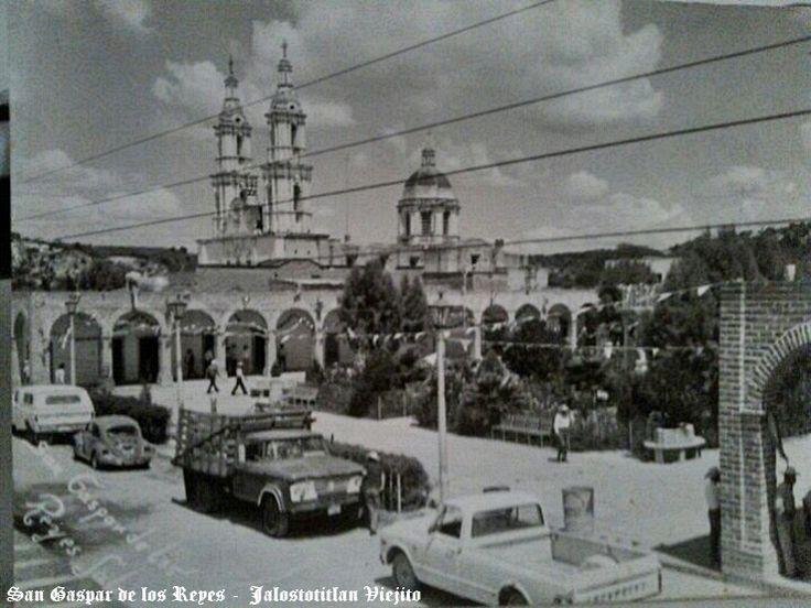 Plaza civica de San Gaspar de los Reyes delegacion de Jalostotitlan Jalisco Mexico