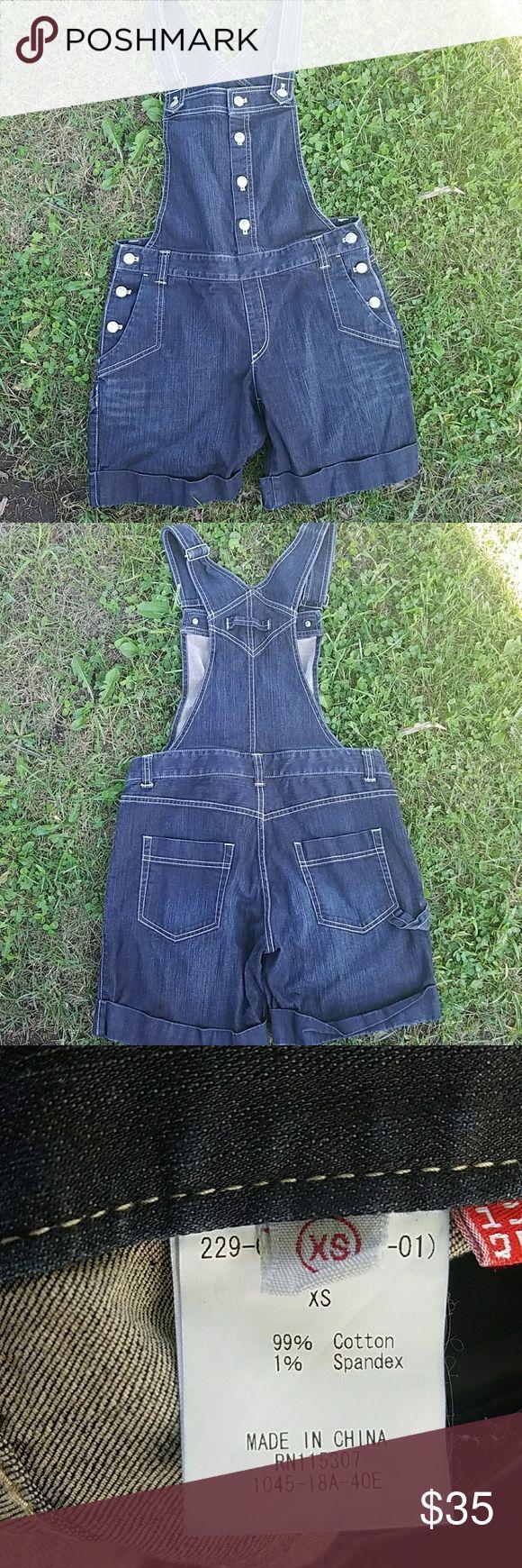 Uniqlo Shortalls These overall shorts are adorable! GUC Uniqlo Shorts