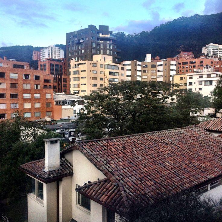 Terminando la tarde de martes desde el barrio #ElNogal de la localidad de #chapinero en #bogota