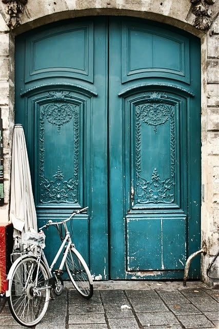 ♡Bicycles, The Doors, Blue Doors, Bikes, Turquoise Doors, Front Doors, Old Doors, Doors Colors, Teal Doors