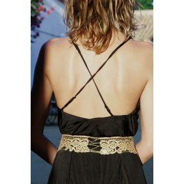 Cinturón dorado de encaje.                                       precio: 240€                                                              Cinturón dorado de encaje y cadenas en bronce rematado con un broche vintage. Ideal para un evento o para un traje de novia.
