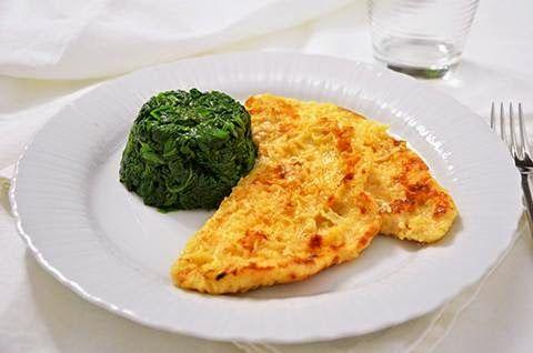 PETTI DI POLLO AL LATTE  La ricetta dei petti di pollo al latte è semplice e veloce. I petti di pollo al latte sono un secondo piatto di carne buono e delicato, perfetto per una cena sana e sfiziosa.  #lacucinaimperfetta #ricetteveloci #ricette #recipes #secondipiatti #pettidipollo