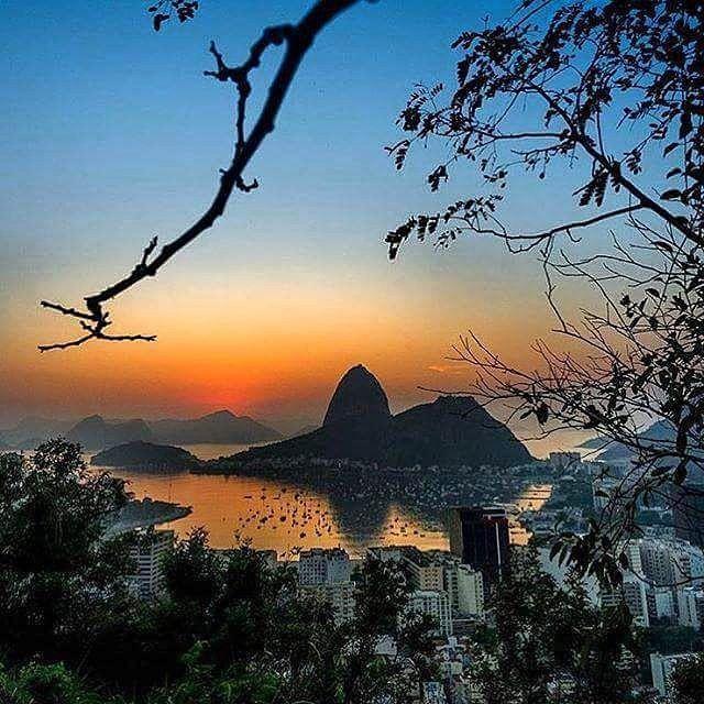 Que doces recordações embalem nossos sonhos! #boanoite meu #Rio querido! Lindeza de click do @thiagomullermorais #cidademaravilhosa