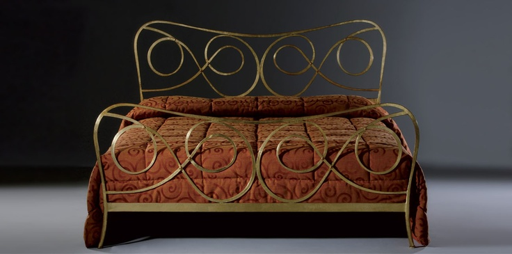 true love for wrought iron beds <3
