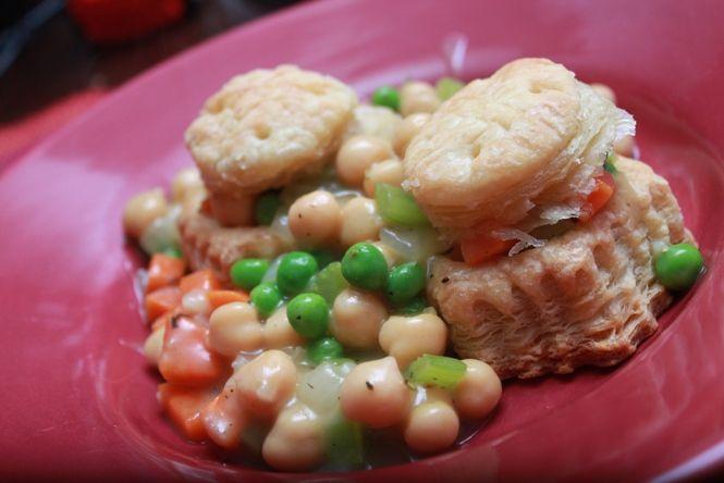Chickpea Pot Pie | Vegetarian & Vegan | Pinterest