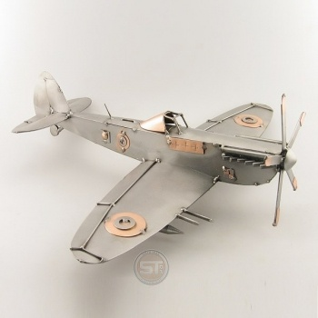 Schraubenmännchen Spitfire
