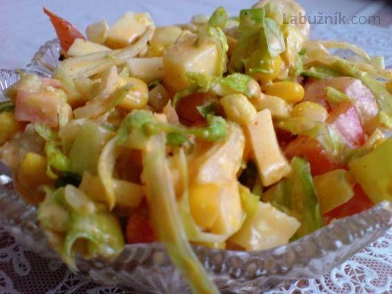 Zeleninový salát s kuřecím masem