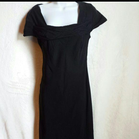 DONNA RICCO Dress Donna Ricco Black Dress. Cap  Sleeves.  Runched Neckline. Donna Ricco Dresses